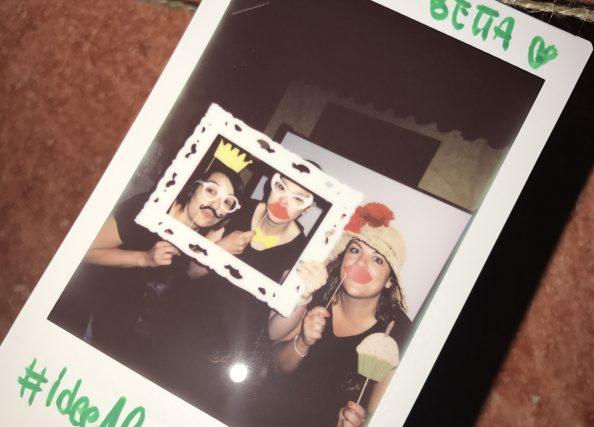 Polaroid Guest Book: indossa, sorridi e scatta una foto ricordo!